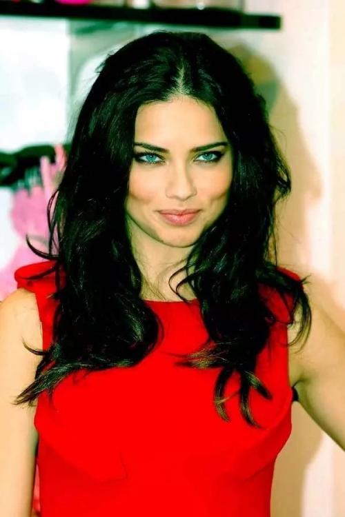 Самая красивая в мире девушка. Самые красивые девушки мира